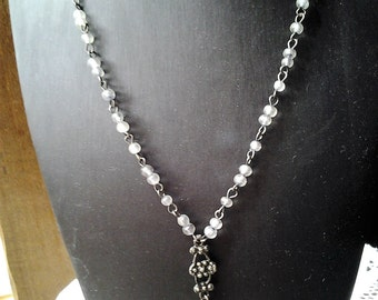 Vintage 1930's necklace with Frosted Glass Beads