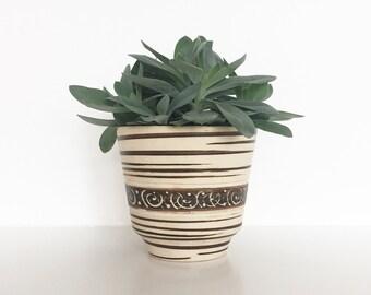 Vintage planter | Vintage ceramic pot | Succulent planter | West Germany planter | Strehla planter | Ceramic planter | Retro pottery