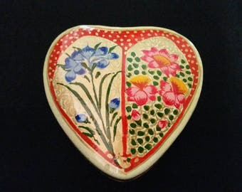 Hand Painted Lacquer Floral Heart Trinket Box