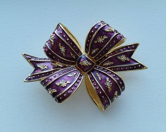 Joan Rivers Bow Brooch