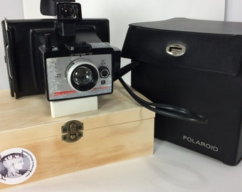 Polaroid Colorpack 80 Land Camera Instant Case Tested Works Surface Damage On Front Perfect for Altering Painting Upscaling