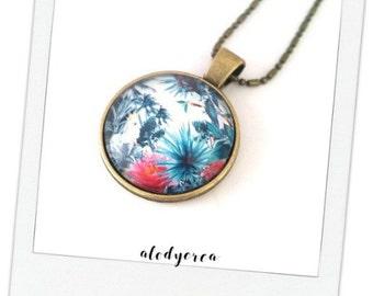 Necklace cabochon in the tropics • bronze