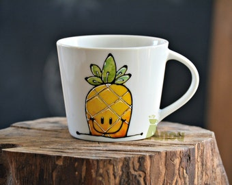 small cup pineapple to customize!