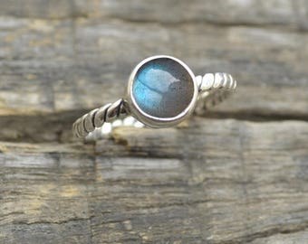 Labradorite Silver Ring, Blue Fire Gemstone Ring, labradorite handmade ring, Gift for her, Blue stone ring Bezel Ring, Gold Ring, All Size