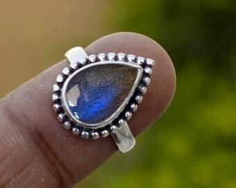 Natural Gemstone Labradorite Ring, Sterling Silver Ring Handmade Jewelry Bezel Ring Boho Ring Blue Stone Ring Stackable Ring gift ring