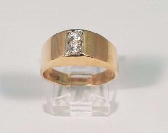 1980s 14K Yellow Gold Mens 1/2 ct. tw. Diamond Ring, Size 10