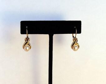Vintage 14 kt Gold Pearl Earrings, 14kt Gold Pearl Earrings