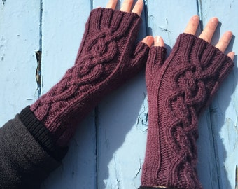Maroon Fingerless Mittens,Mittens,Mitts,Fingerless Gloves,Handknitted Mittens,Handknitted Gloves,Gloves,Cable Pattern Mittens,Wrist Warmers