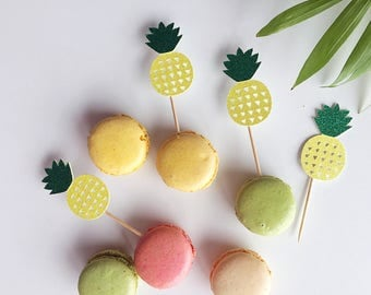 Set of 12 Pineapple toppers- pineapple decorations- appetizer toppers- pineapple toppers-tropical toppers- summer toppers- Hawaiian toppers