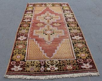 Turkish Rug Carpet, Vintage Handwoven Anatolian Decorative Wool Rug Carpet, Turkish Home Decor Wool Faded Floor Rug,  207x120cm 6.8x4.ft