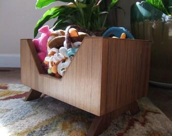 Angles Pet Toy Box