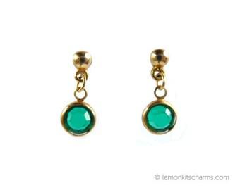 Vintage Small Green Glass Drop Earrings, Jewelry 1970s 1980s, Dangle Crystal Dainty, Emerald Green, Pierced Post, Minimalist Simple