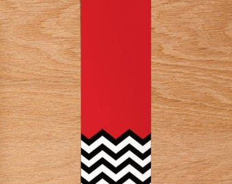 "Bookmark / Twin Peaks / TV Show Quote / Twin Peaks Black and Red Zigzag / ""A Place Both Wonderful and Strange"""