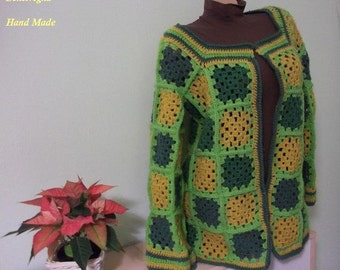 Warm colours for this cardigan size 42/44