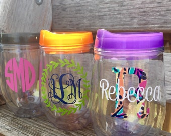 Custom Stemless Wine Glass Tumblers with lid and straw, 10 oz Wine Tumbler, Paisley Monogram Tumbler