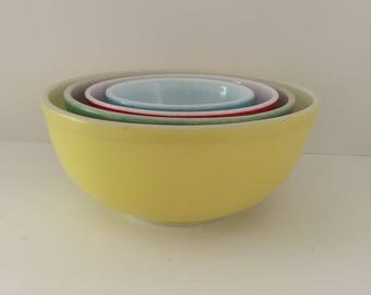 Pyrex Antique Nesting bowls yellow red green blue