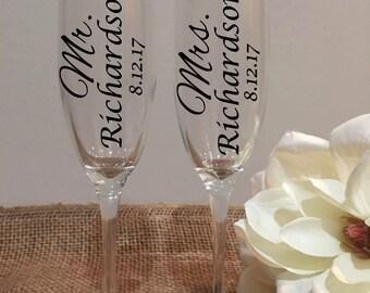 Mr. and Mrs. Toasting Glasses, Wedding Glasses, Wedding champagne flutes, Mr and Mrs Champagne, Etched Lettering, Vinyl Lettering, Set of 2