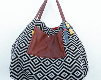 Reversible bag graphic french weaving