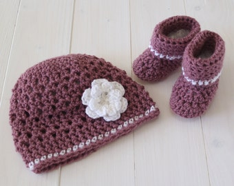 Babys hat and Booties, Hat and booties, Beanie hat, Baby booties, Baby girl hat and booties, Plum colour  hat and booties, Ready to Ship,
