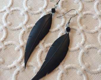 Rubber Feather Earrings - black pyramid beads