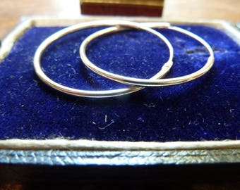 vintage sterling silver fine hollow medium hoop earrings /  earrings / vintage silver earrings / solid silver hoop earrings