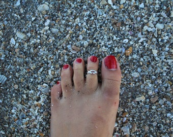 infinity toe ring