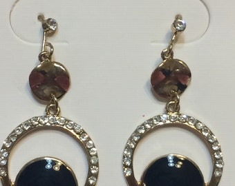 Elegant Gold and Black Dangle Earring