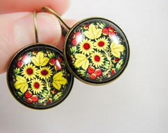 Black floral earrings, Glass dangle earrings, Black yellow flower earrings, Folk earrings, Slavic jewelry, Russian jewelry, Khokhloma