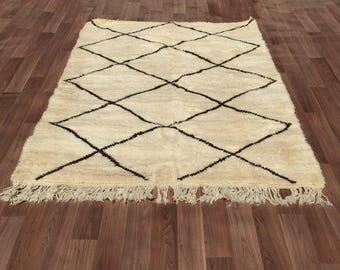 Gorgeous tribal Handmade Beni Ourain authentic Moroccan rug Teppich Tapis 135cm X 209cm Moroccan Beni Ouarain carpet rug 100% Wool Berber