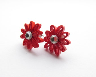 Quilled Earrings, Quilled Daisies, Quilled Daisy, Daisy Earrings, Daisy Stud Earrings, Red Daisies, Quilled Jewellery, Pinup Earrings