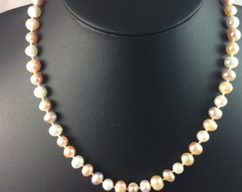 Vintage Tricolour Genuine Pearl Necklace In Mint Condition Comes In Gift Pouch