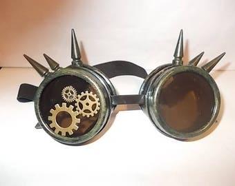 Spiked Steampunk Goggles. Originell und Einzigartig