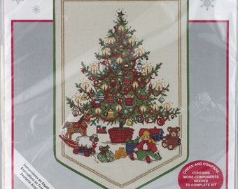 Needle Treasures Counted Cross Stitch, O Tannenbaum 02911 Christmas Counted Cross Stitch Kit, Needlework Kit, Stitchery Kit, Christmas Craft