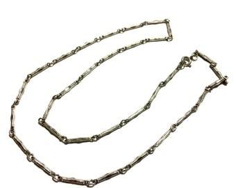 Vintage 1970's Silver Tone Necklace