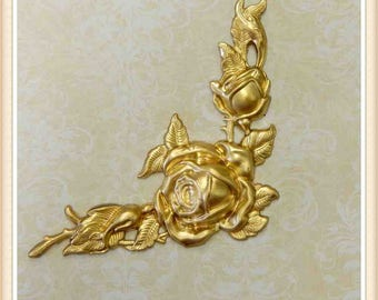 2 pieces raw brass corner, rose, fower, stampings, embellishments E169