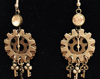 Gears & keys steampunk earrings