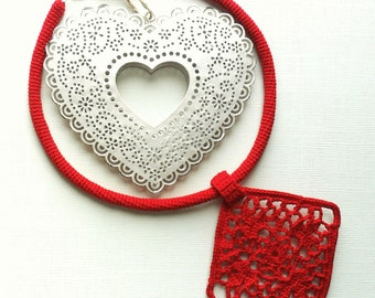 red crocheted jewelry, lace necklace, spring and summer necklace, romantic necklace, for special occasions, gift for her