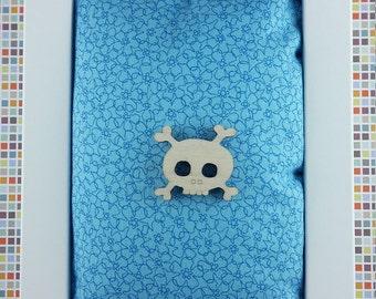 Mr Skull wooden brooch - lasercut