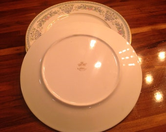 Oxford Fontaine Dinner Plates Set of Three