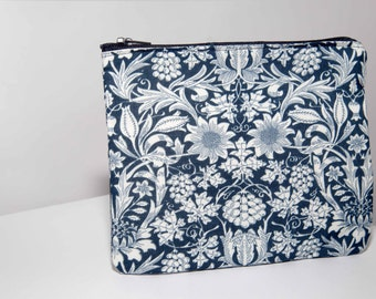 Handmade Navy/ Ivory small pouch | Purse | Make Up Bag