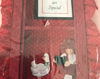Holiday Look-Ins Daughters Are Special shadow box kit