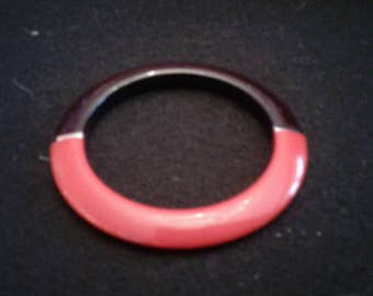Vintage New Wave Bangle in Red and Black Enameled Wood