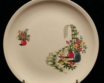 Vintage Paden City Pottery. Paden City Pottery Trellis Pattern Plate.