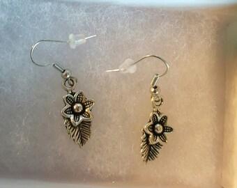 Leaf flower earrings