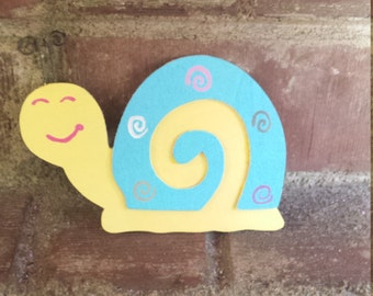 Snail kitchen magnet, Refrigerator magnet, kitchen decor, home decor, love bugs