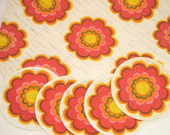 Vintage 70s tablecloth with placemats