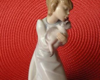 Vintage Lladro Figurine/Sleepy Cat Figurine/Lladro 5712/Girl with Cat