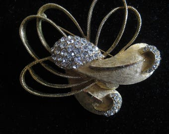 VINTAGE SIGNED B.S.K. BSK Large Brushed Gold Tone Brooch with Clusters of Rhinestones Stunning Statement Abstract Spray Design Jewelry Pin