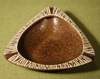 ASHTRAY Mid Century GUNDA Pottery Melbourne Australia WOW 1950s