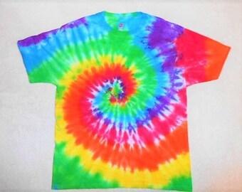 60's Rainbow Tie Dye Shirt// Large tie dye// hippie shirt// gay pride shirt// rave clothes// Classic hippy tie dye// ready to ship!   ATL4
